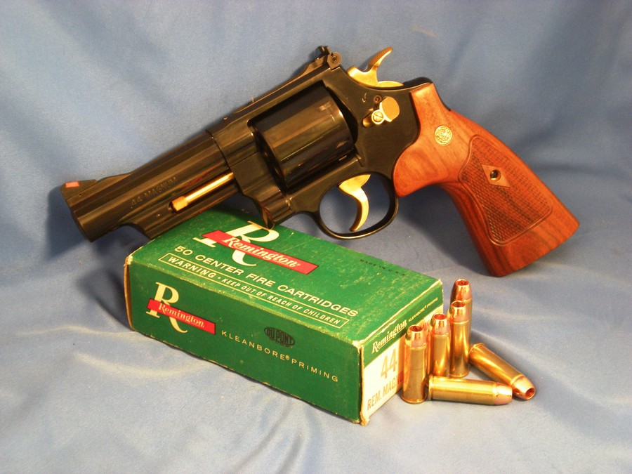 lew horton smith and wesson