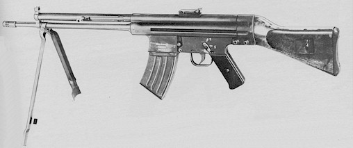 CETME Modelo 2, designed by Ludwig Vorgrimler using the original StG-45(M) mechanism. Note the curved magazine for the early 7.92x41mm cartridge