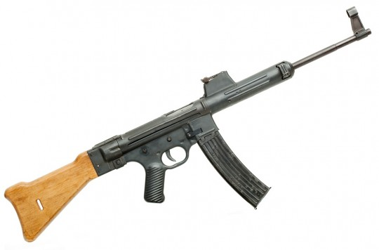 Gerät 06H, aka StG-45(M) reproduction (photo by Oleg Volk)