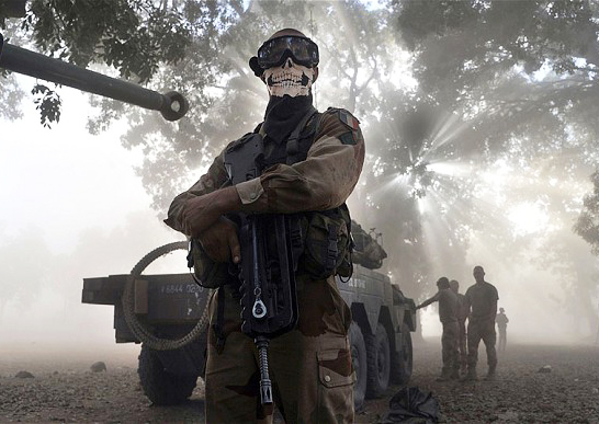 Apparently the French troops also enjoy playing Modern Warfare 2. Nice mask!