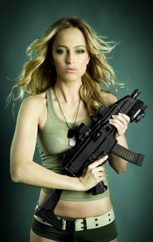 cz_scorpion_evo_iii_girl_gun-tm-tfb