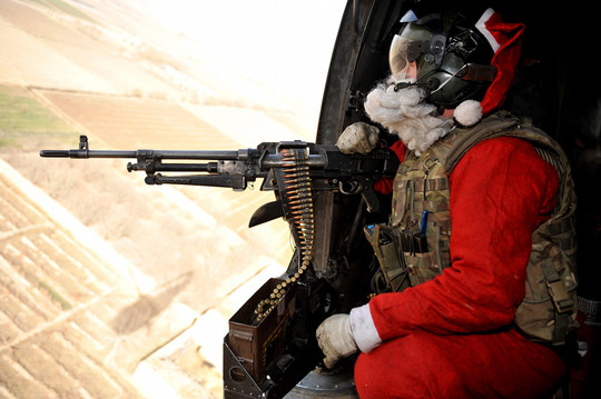 wtf_santa_claus_on_helicopter_with_a_machine_gun-tm-tfb2