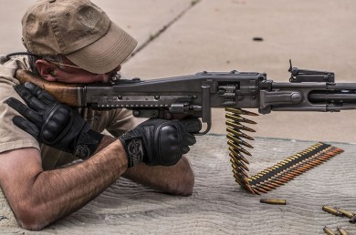 Mario of POHF demonstrates proper use of the MG42.