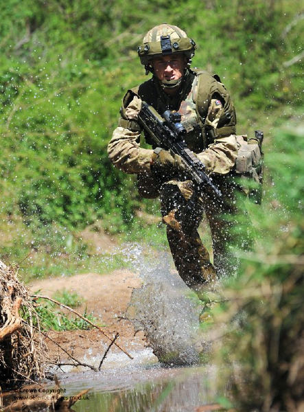 Soldier from 4 RIFLES on Exercise in Kenya