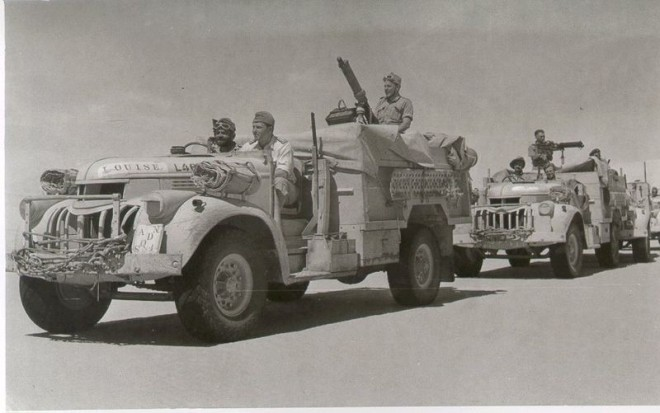 800px-Vickers_armed_LRDG_trucks8
