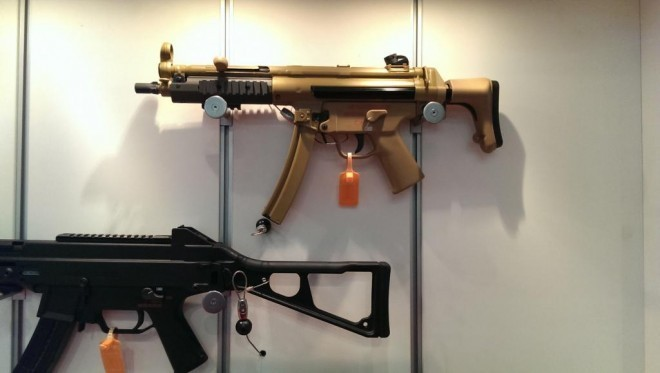 DSEi 13: Heckler & Koch MP5 and HK MP7 Now In RAL-8000 Green-Brown