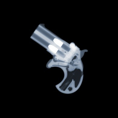 Derringer x-ray by Nick Veasey, courtesy of the artist.