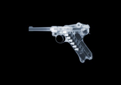Luger x-ray by Nick Veasey, courtesy of the artist.