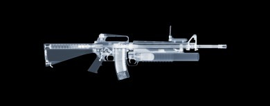 M16 with an M203 grenade launcher x-ray by Nick Veasey, courtesy of the artist.