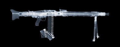 MG42 x-ray by Nick Veasey, courtesy of the artist.