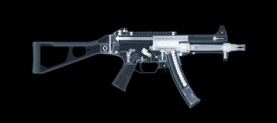 H&K UMP45 x-ray by Nick Veasey, courtesy of the artist.