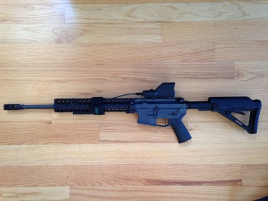 Profile view of the AQC-1C on an AR-15.