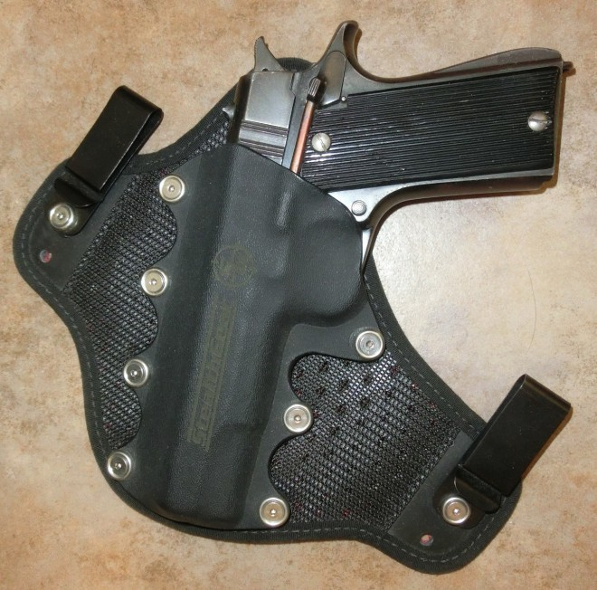 StealthGear Onyx with pistol