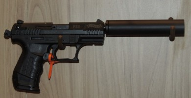 The GM-22 attached to a Walther P-22.