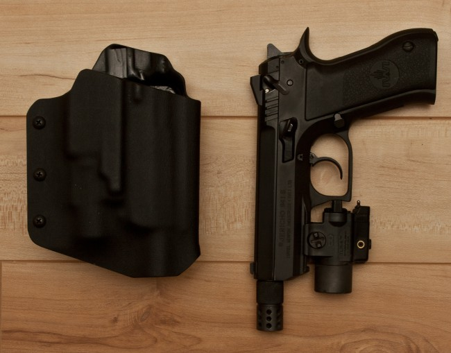 Jericho 941s Compact with Custom Kydex Holster
