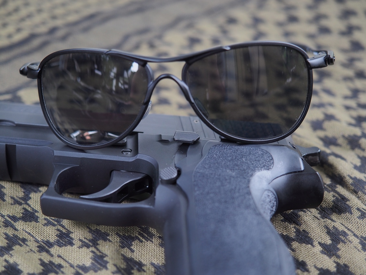 prescription ballistic glasses oakley l5d0  The SI Crosshair Aviator is more of a daily wear set of sunglasses, at  least in appearance The Crosshair is also for shooting and carries a  ballistic