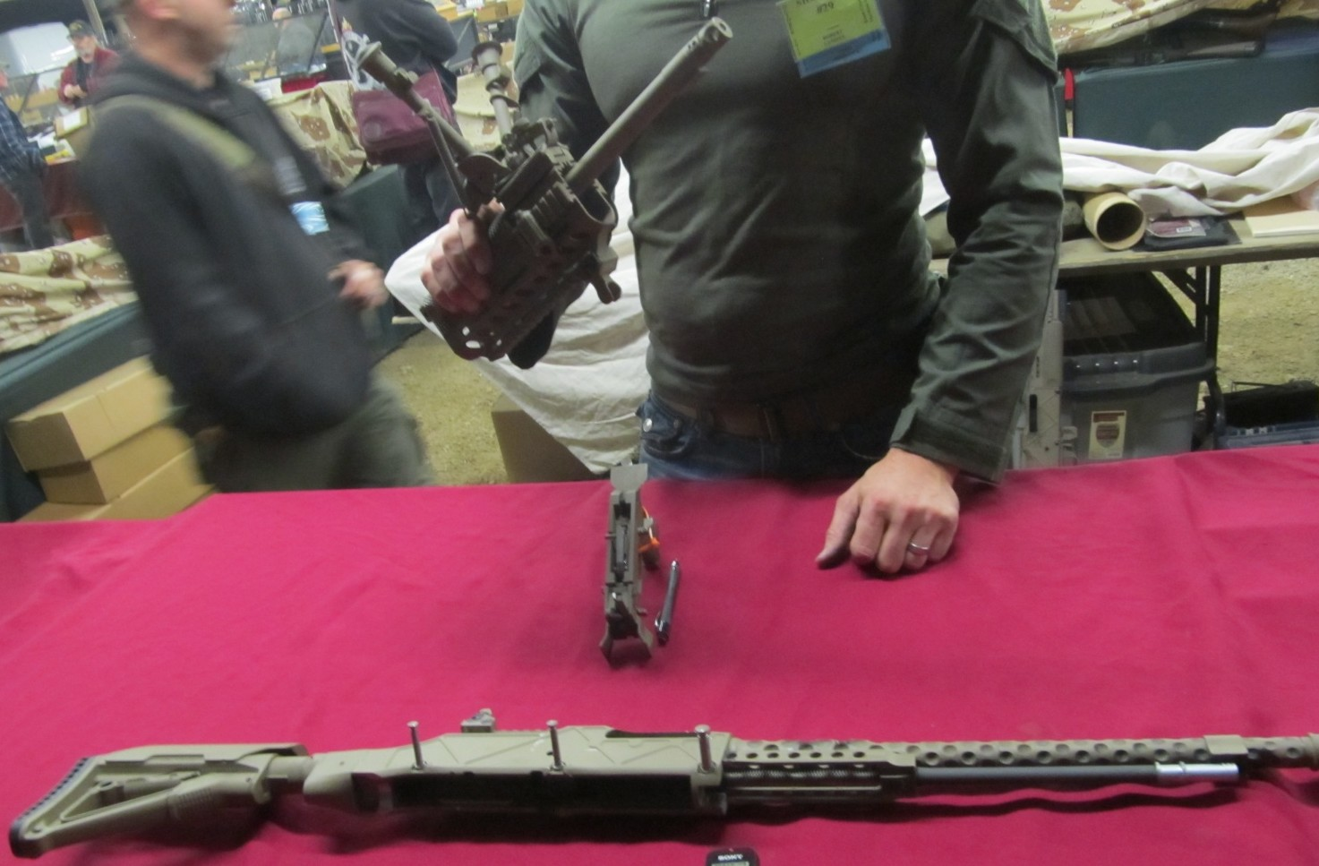 Landies showing the HCAR fully field stripped. Notice how the handguard comes off just like a H&K M27.