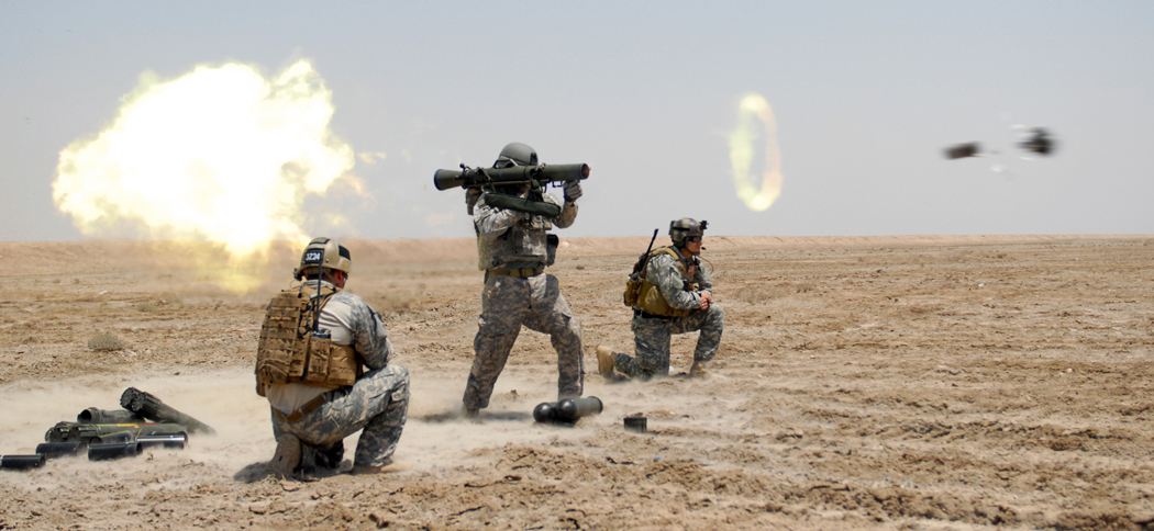 US_Special_Forces_soldier_fires_a_Carl_Gustav_rocket_during_a_training_exercise_conducted_in_Basrah_Iraq
