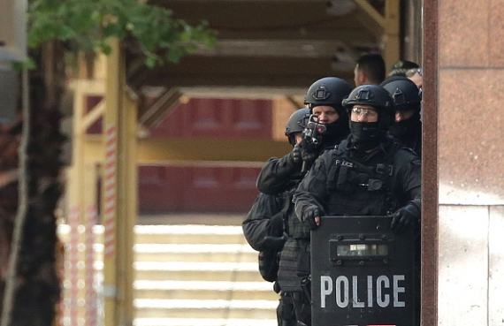 suspected-jihadist-takes-hostages-in-cafe-shop-in-sydney