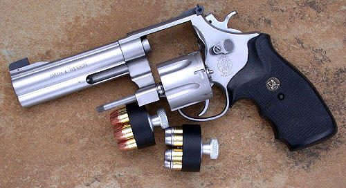 SW-Model-625-with-two-speedloaders