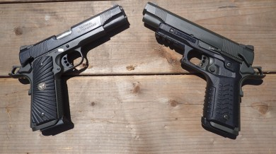 1911s with and without the railed grip