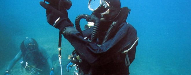 PHOTO-3a-Heckler-and-Koch-Underwater-pistol-with-diver-973x653