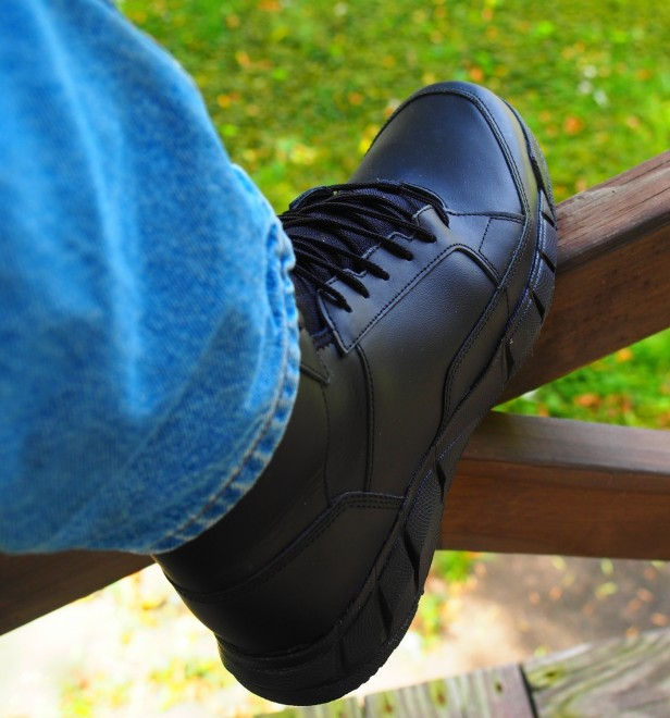 boots oakley glasses 4pfi  Recently Oakley released the new Light Assault Boot in black leather As  most of you know we keep track of new Oakley products and I for one am glad