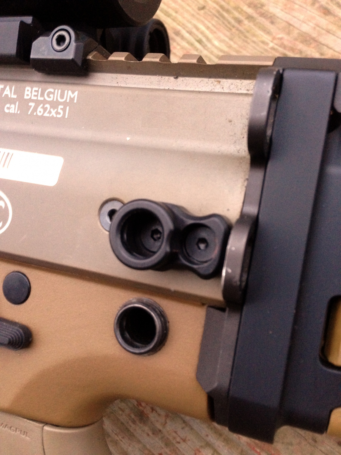 Review: Upgrading The SCAR17S With KDG -The Firearm Blog