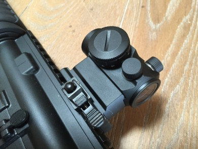 Side view of the optic.