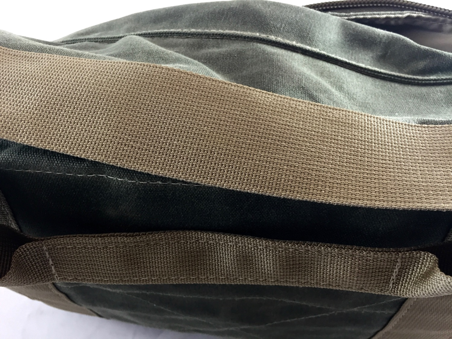 Carry strap, and off-body carry handle