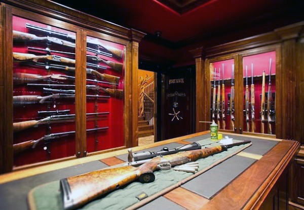armory-room-design-with-glass-cases