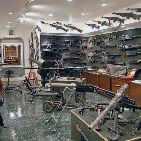 military-collectors-firearm-room-design-ideas