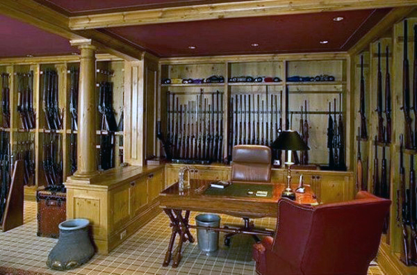 traditonal-gun-room-with-office-design