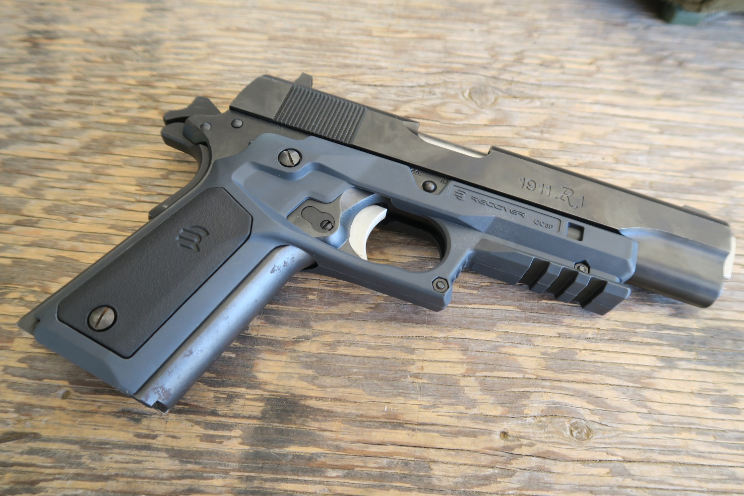 Review: ReCover Tactical 1911 Grips - The Firearm BlogThe Firearm Blog