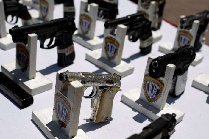Seized weapons are displayed before being destroyed during an exercise to disable confiscated weapons, in Caracas, Venezuela, August 17, 2016. REUTERS/Marco Bello