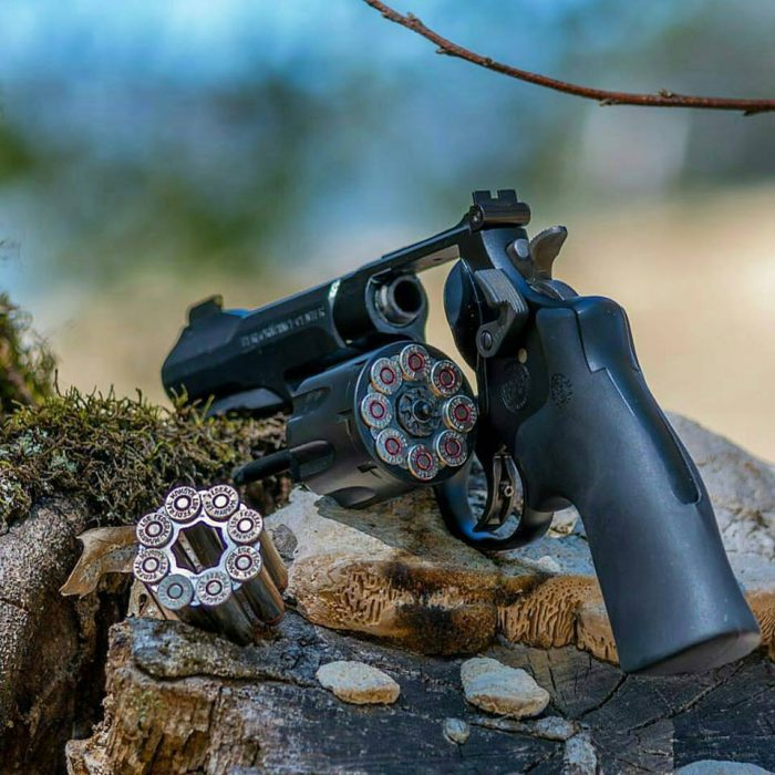 Potd Smith Amp Wesson Model 327 Trr8 The Firearm Blogthe