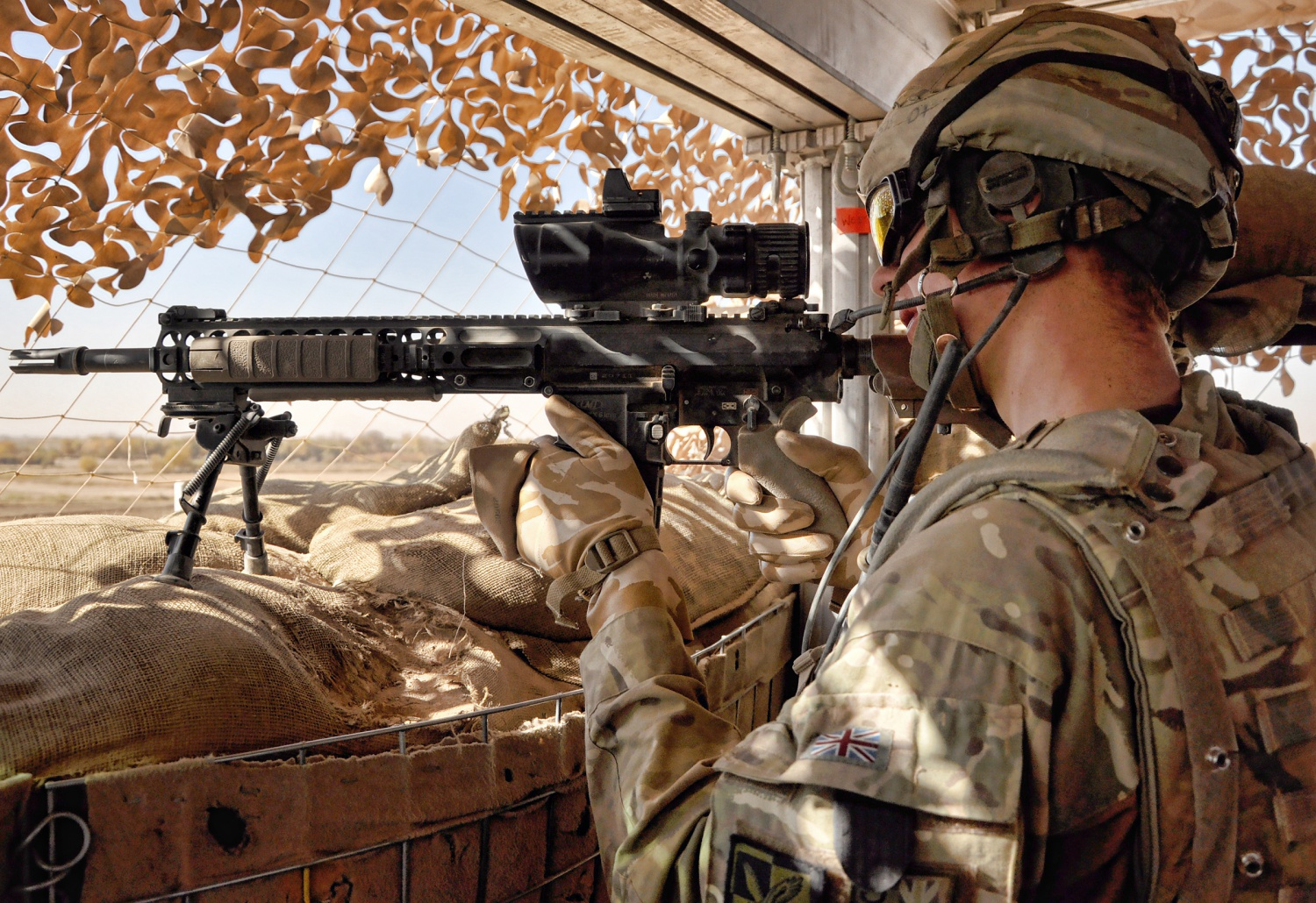 Soldier_Keeps_Watch_Over_Route_Trident,_Afghanistan