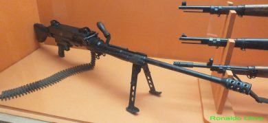 A surviving Mekanika Uirapuru GPMG is on display at Brazilian Army's Museu Militar Conde de Linhares, in Rio de Janeiro… with an upside down stock!