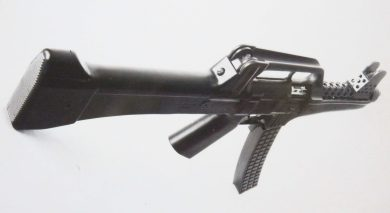 One more view of the SM MOD.3 with the 32-round curved, waffle-style plastic magazine proposed for production guns.