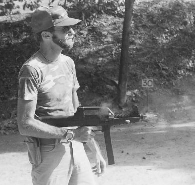 Look, mom! One hand! That polymer wonder was controllable enough to allow skinnier shooters to fire it single-handed at full auto. The prototype's cyclic rate of fire was under 500 rounds per minute or so, which reminded one of the U.S. M3/M3A1 Grease Gun of WWII.