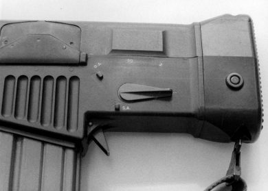 "One lever fit all: a single switch was used to choose firing (""1"", ""3"", ""30"") and action (""SA"", ""DA"") settings. A clever solution to carry a rifle, say, in a patrol, ready to use without having to disconnect any safety device."