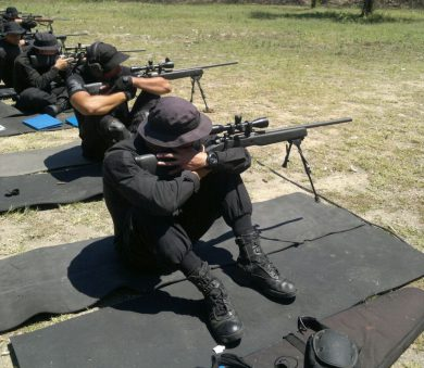 Snipers of various State Police agencies training with AGLCs in a range. The bipods are the ubiquitous Harris.