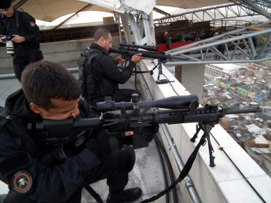 Seen here in the hands of BOPE snipers, the AR-10 SuperSASS usually accompanies standard Battalion troops armed with AR-10A4 rifles, ready to provide precision fire at longer distances.