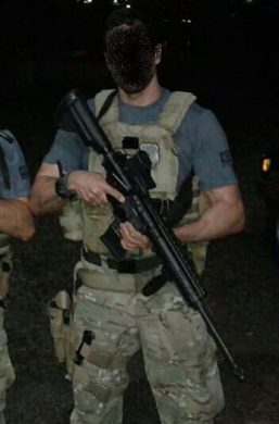 An HK 417 in the hands of a member of a Federal Police NEPOM, a sub-unit in charge of maritime patrol (sea, rivers, lakes). It can be noticed that the weapon is also employed in a non-sniping role, as indicated by the EOTech holographic sight attached.