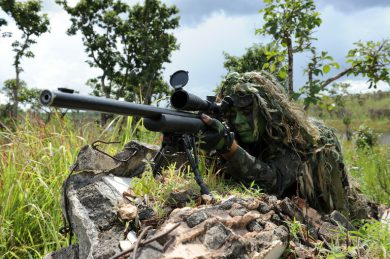 The 700's brother-in-uniform, the M24 rifle, is also found in the Brazilian Army inventory, more specifically, used by the Brigada de Operações Especiais (Special Operations Brigade), with headquarters in Goiania, Goiás State.