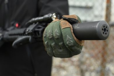 The FR Breacher also provides knuckle protection, guarding the back of the hand from harsh environments and general wear and tear.