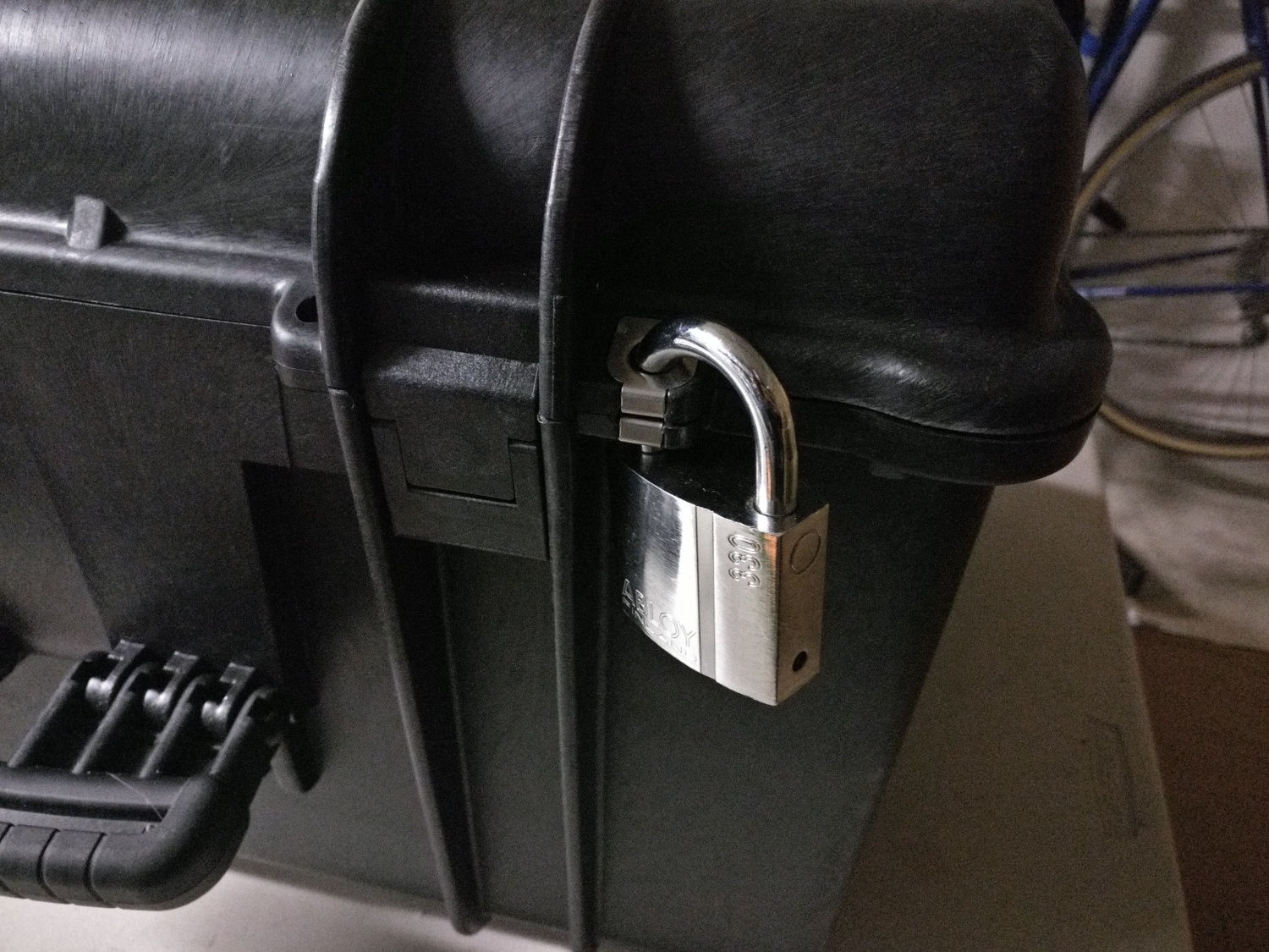 Abloy Protec PL330 affixed to one of the metal-lined hasps on the Explorer Case 5833