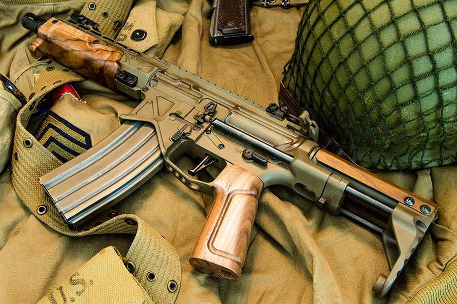 Battle Arms' Paratrooper SBR with French walnut handguard and pistol grip.