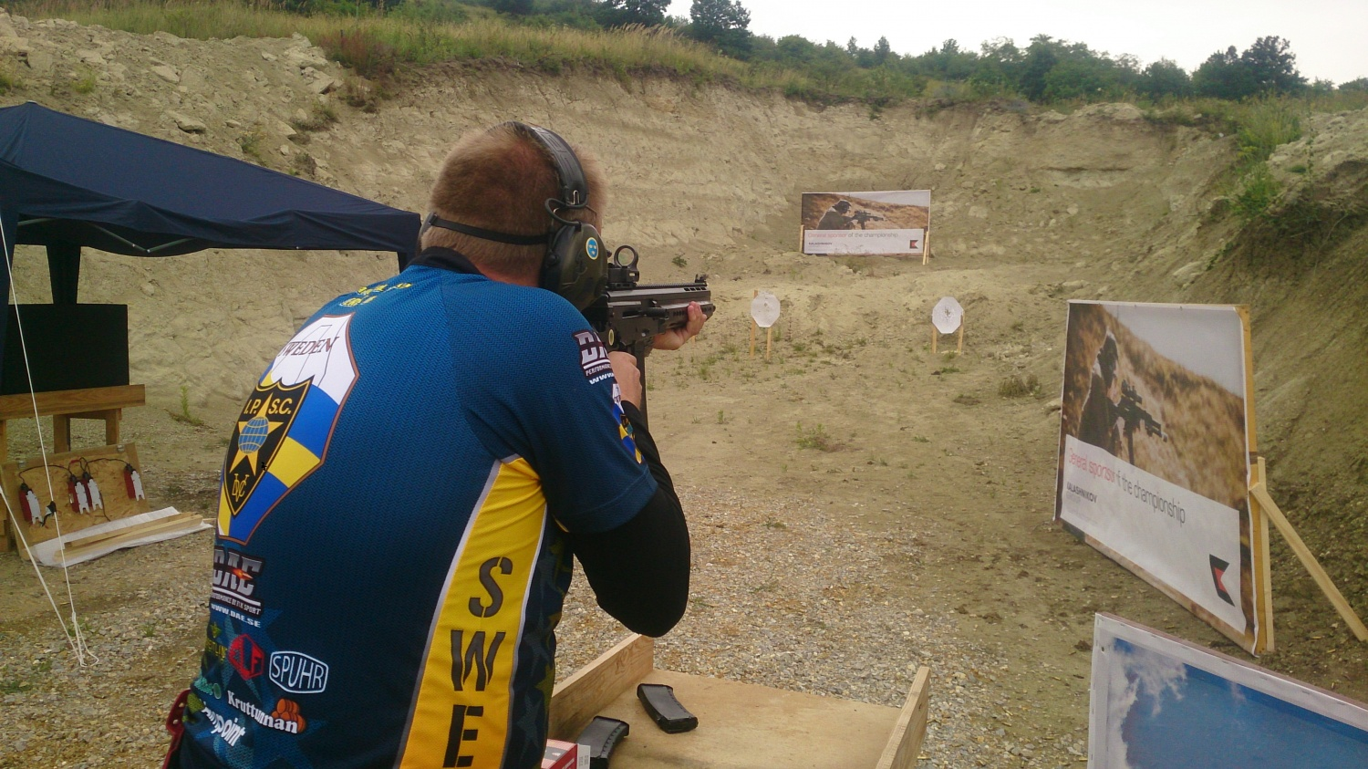 Eric B, the competitor from Sweden, shoots AK-15 prototype in the test-fire bay