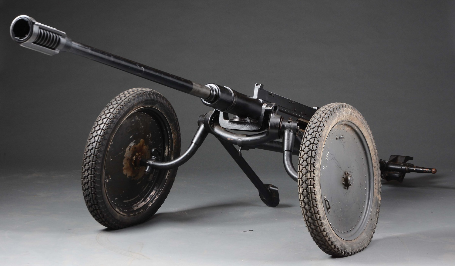 7 Historical Anti-Tank Weapons Seen in MORPHY Auctions Catalog Model 1941 2